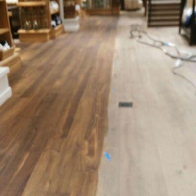 Pulido sin polvo de piso de madera