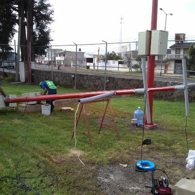 Instalación postes para lamparas