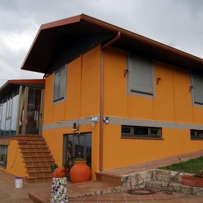 Casa de dos niveles