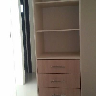 Cocinas y closets espacios inteligentes en quer taro for Closets queretaro