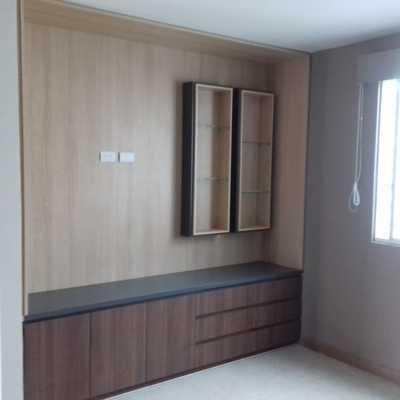 Recubrimiento y mueble de pared