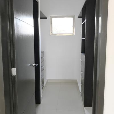 Closet Vestidor Recámara Principal