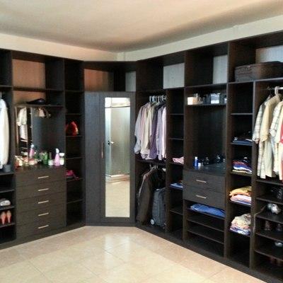 closet mega