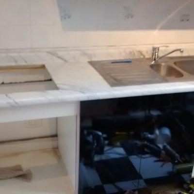 cocina acabado espejo en negro