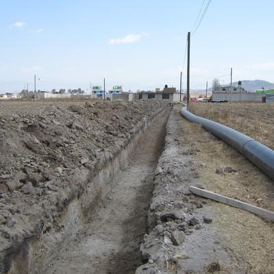 Colocación de red de drenaje.