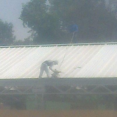 Construcción de techumbre de multipanel