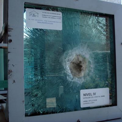 Ideas y fotos de canceler a aluminio para inspirarte habitissimo - Precio cristal blindado ...