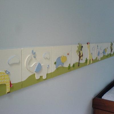 Pintura en cuarto de niño y Molduras de madera