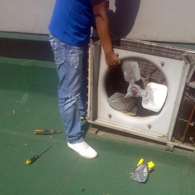 desmontaje de equipo de aire acondicionado