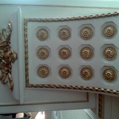 Dorado de Figuras de Escayola en el Pedregal