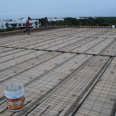 Construcción de losa de vigueta y bovedilla en Xcalacoco