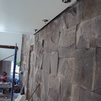Muro de piedra acceso