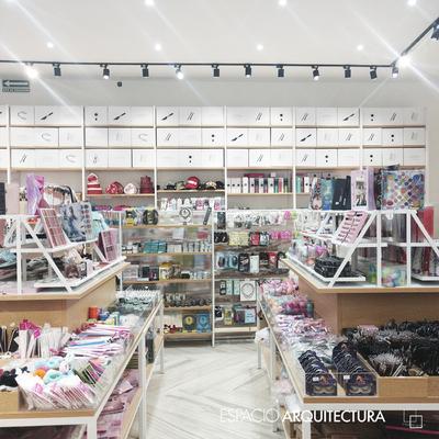 Remodelación local comercial Plaza Sendero Apodaca