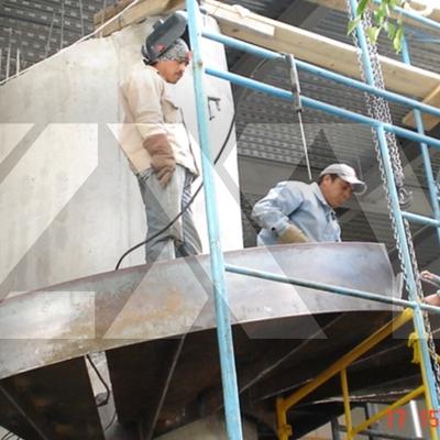 montaje y fabricación de escalera de acero.