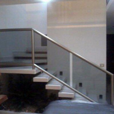 escaleras flotantes
