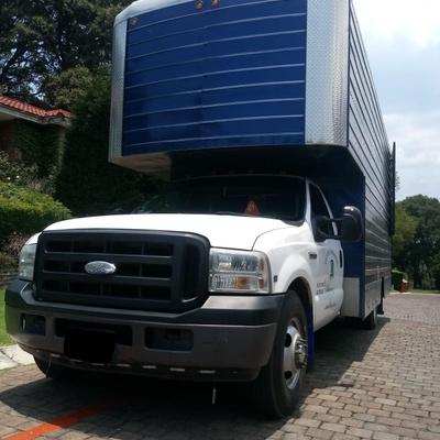 camioneta 3 1/2 caja larga 37 metros cubicos