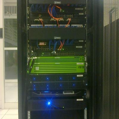 Instalacion rack multiproposito para control de acceso CCURE9000 integracion Milestone