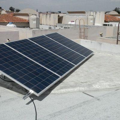 Sistema de 4 paneles fotovoltaicos - 1kw de potencia