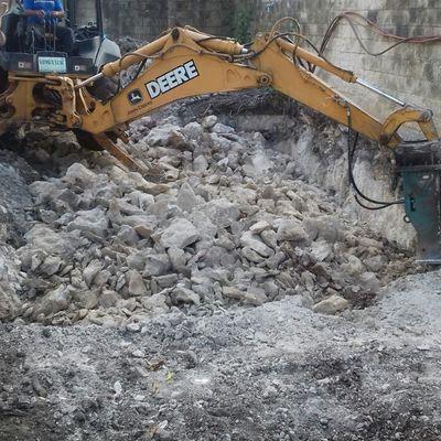 Excavación para alberca en Cancún