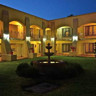 Hotel de 60 habitaciones