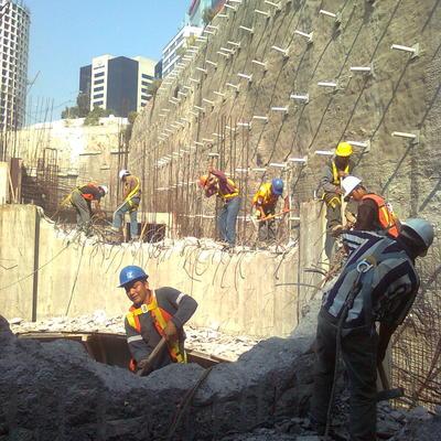 demolición de muro