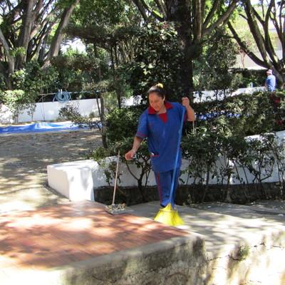 LIMPIEZA DE AREAS PETREAS