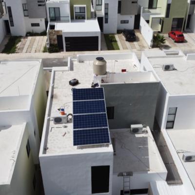 Instalación de 4 paneles solares de 335W