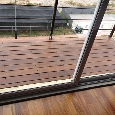 acabados en madera interior y deck exterior
