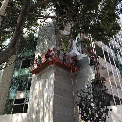 Construcción de muro de durock en fachada de edificios