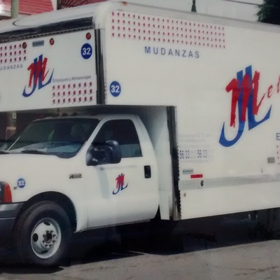 Camioneta de 40 metros cúbicos