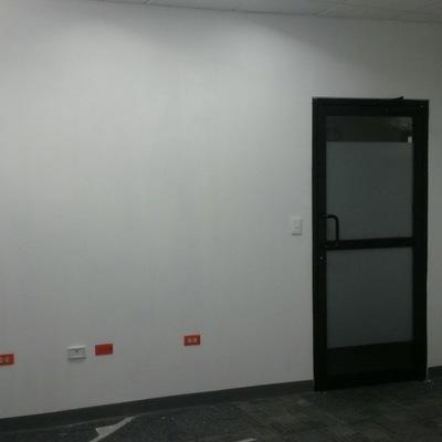 Pared Tablartoca y Puerta Aluminio