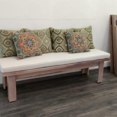 Diseño de mobiliario, cojines, fundas para recepción Too Well Pilates