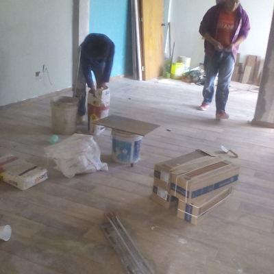 reparasion de piso y colocasion de  tipo madera