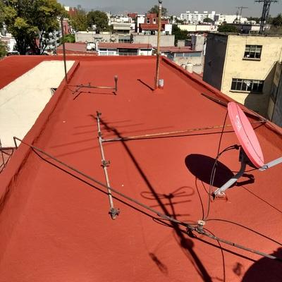 Trabajos de impermeabilización en azoteas y muros.