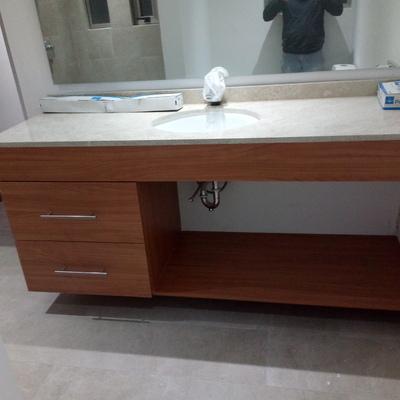 mueble de baño sencillo