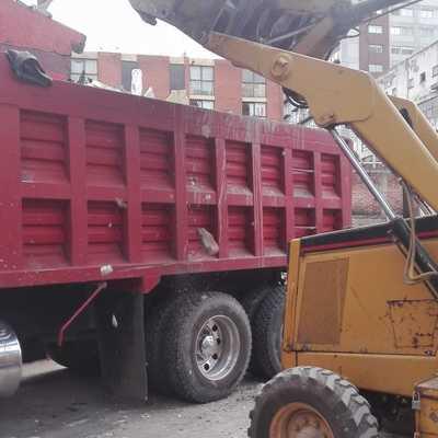 Carga de Escombros por Demolición.