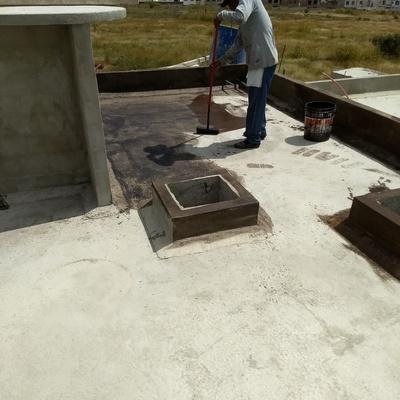 Preparación de loza para sistema impermeabilizante asfáltico
