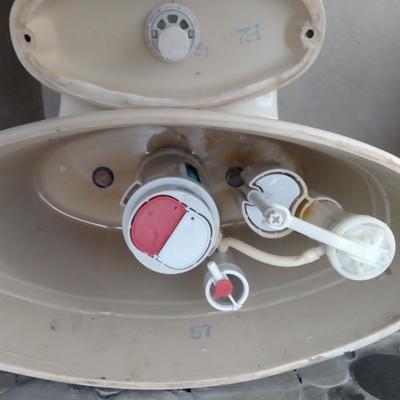 Limpieza y desazolve de herrajes push botón sanitario