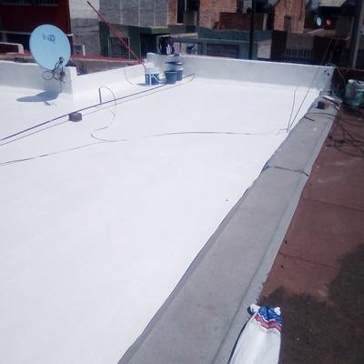 Aplicación de impermeabilizante con membrana de refuerzo