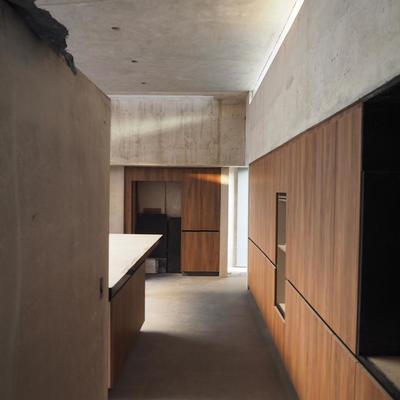 Área de cocina con gabineteria