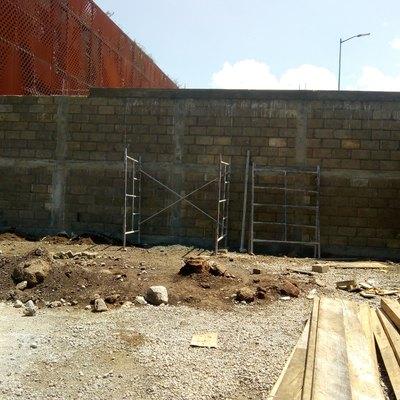Construcción de Barda