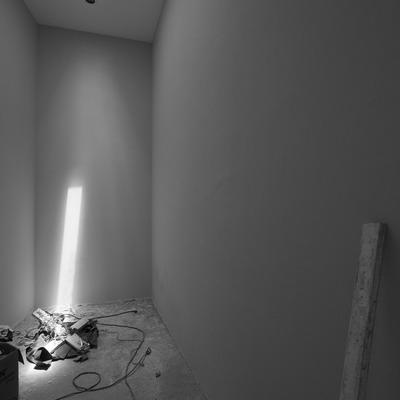 Área de vestidos y despliegue de luz