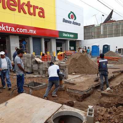 Trabajos de obra civil en Elektra Villaflores, Chiapas