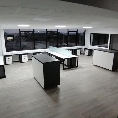 Oficinas minimalista.