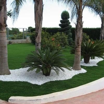 Decoraciones a jardin con piedra de color