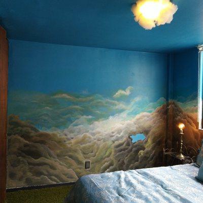 Recámara Surrealista con un Mural en todas las paredes