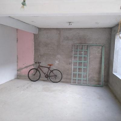 Muros.  Sin aparentar