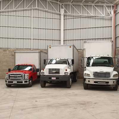 Camioneta tipo rabon se manejan 10 toneladas