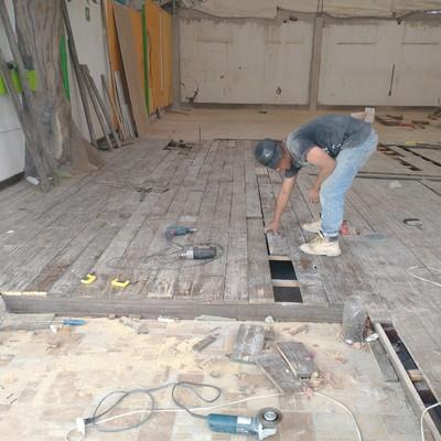 Cambio y colocación de madera