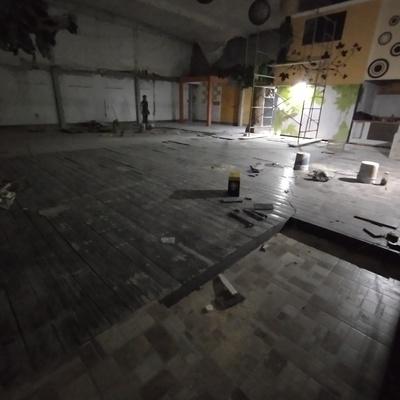 Piso de madera con conexión de lámparas LED para piso de 3 watts